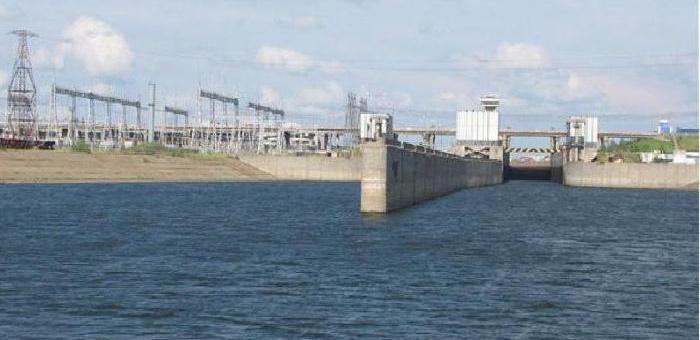 Замена изоляторов маслонаполненной кабельной линии на Нижнекамской ГЭС.